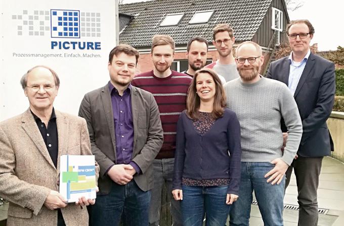 PICTURE Mitarbeiter Gruppenfoto